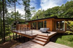 35 Cazu Zegers designs elevated timber retreat in the Chilean woods nyamanhom Wood House Design, Small House Design, Modern House Design, Modern Tropical House, Retreat House, Weekend House, Container House Design, Forest House, Facade House