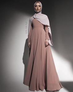 INAYAH Modern Hijab Fashion, Hijab Fashion Inspiration, Islamic Fashion, Abaya Fashion, Muslim Fashion, Modest Fashion, Hijab Style Dress, Dress Outfits, Hijab Evening Dress