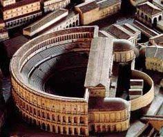 Maqueta y estado actual del Teatro Marcelo de Roma