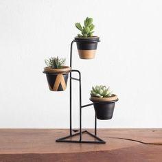 Hera Mini - Suporte para Vasos pequeno - Preto - R$120.00