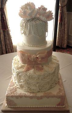 AppleMark wedding cake