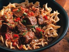 Hungarian beef goulash in the crock pot.Craig mentioned you like goulash. Going to make this Sunday, looks really good and easy! Healthy Slow Cooker, Crock Pot Slow Cooker, Slow Cooker Recipes, Beef Recipes, Cooking Recipes, Healthy Recipes, Crock Pots, Diabetic Recipes, Gastronomia