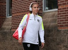 Alex Morgan arrives at Finley Stadium in Chattanooga, Aug. 19, 2015. (Mike Zarrilli/Getty Images North America)