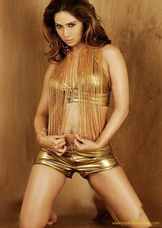 Kim Sharma is looking to hot in Golden dress. Checkout the more stills.