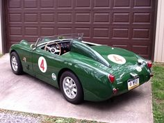 1959 Austin Healey Sprite. Like the racing inspired look