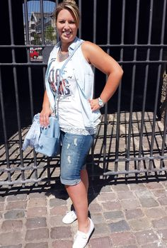 Outfit der Woche! Top, Jeanshemd & Tasche: s.Oliver - Jeans-Shorts: Street One - Tuch: Cecil - Kette: s.Oliver #fashion www.mensing.com