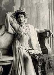 Kuvahaun tulos haulle Mata Hari