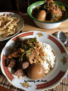 Cooking with Sheila Gondowijoyo Food N, Good Food, Food And Drink, Indonesian Recipes, Indonesian Food, Nasi Liwet, Main Menu, Spicy Recipes, Lunches And Dinners