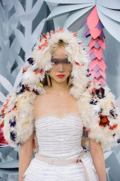 Chanel at Couture Spring 2015 - StyleBistro We Wear, How To Wear, Paris Mode, Chanel Couture, Sustainable Clothing, Korean Model, Clothes Horse, Spring 2015, Poses