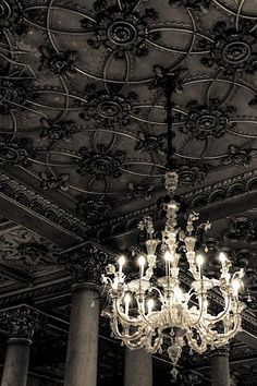 Gorgeous chandelier and ceiling