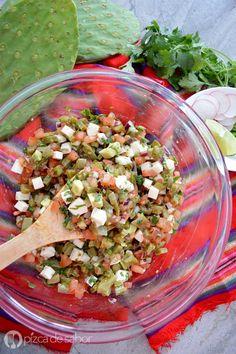 Ensalada de nopales con queso panela www.pizcadesabor.com