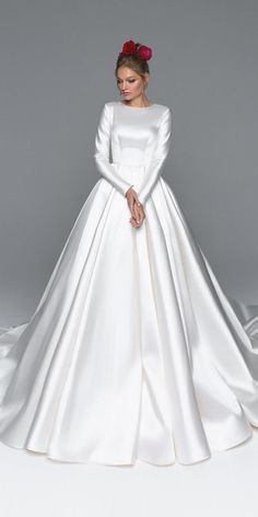 60 Dream Wedding Dresses To Adore In 2019 ❤️ dream wedding dresses ball gown with long sleeves simple modest eva lender ❤️ #weddingdresses Fancy Wedding Dresses, Western Wedding Dresses, Wedding Gowns, Ball Dresses, Ball Gowns, Bridal Gowns, Marie, Vintage Lace, Wedding Shopping