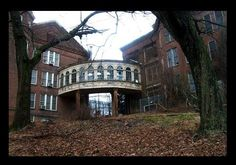 Taunton State Hospital - Massachusetts, formerly known as the State Lunatic Hospital at Taunton. Breezeway in color (photographed by Fallout Urban Exploration, 2003-2006).