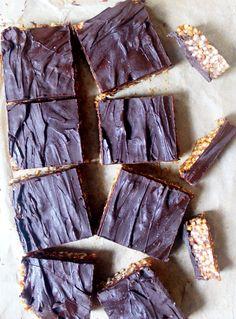 Chocolate Quinoa Crispy Squares - like healthy chocolate rice crispy squares but better! Gluten Free, Dairy Free & Vegan.