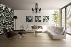 extravagantes Wohnzimmer mit Bilder und Tapete mit dem gleichen Muster