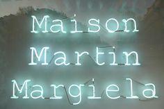 Vitrines Maison Martin Margiela- Parfum Untitled - Printemps-Paris, Avril 2010 by JournalDesVitrines.com, via Flickr