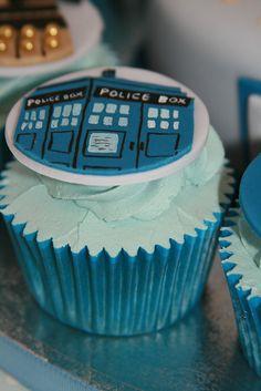 Fantastic Doctor Who Cupcakes and Birthday Cake - Global Geek News Cute Cupcakes, Cupcake Cookies, Cupcake Toppers, Cupcakes Design, Doctor Who Cupcakes, Little Bites, Pastry Art, Birthday Cake, Birthday Parties