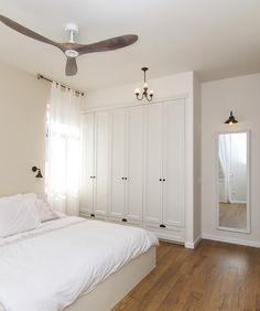 Bedroom Closet Doors, 4 Bedroom House, Bedroom Sets, Dream Bedroom, Room Color Schemes, Room Colors, Bedroom Built Ins, Living Room Decor, Bedroom Decor