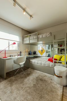Ditch the traditional Bunk Beds for these 10 fresh ideas! Decor, Bedroom Design, Sibling Bedroom, Loft Spaces, Bunk Bed With Desk, Boys Bedrooms, Fashion Room, Home Decor, Room Design