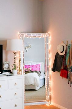 Cool 49 Easy Diy First Apartment Decoration Ideas. More at https://homedecorizz.com/2018/02/28/49-easy-diy-first-apartment-decoration-ideas/