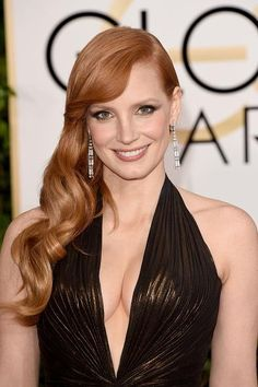 #JessicaChastain in Versace at the Golden Globes 2015.