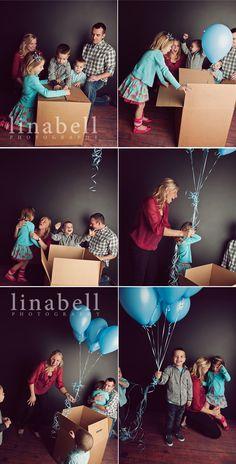 so creative-- for family maternity photos!
