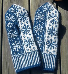 Ravelry: Snow Queen Mittens pattern by Natalia Moreva