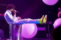 Mika in a trash can - Asia tour (exact gig unknown)