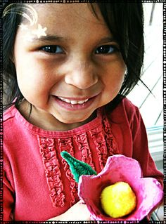 Soy Preescolar: #Ideas para el Día de la #Madre    #Reuso de Materiales: Aquí tienes otra alternativa para preparar unas lindas flores para mamá. Sigue las instrucciones haciendo clic en la imagen. ツ    #Preescolar #Manualidades para Niños; #Mundo #Sostenible
