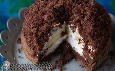 Mini vakondtúrás torta recept fotóval - Hozzávalók: A piskótához:      5 tojás     1 evőkanál cukor     1 dl olaj     100 g liszt     40 g cukrozatlan kakaópor     1 kiskanál szódabikarbóna  A töltelékhez:      1 csomag vanília ízű pudingpor     3 dl tej     kevés cukor     tejszín (állati eredetű)     80 g csokoládé vagy csoki lencse     3 banán     1 citromból nyert citromlé