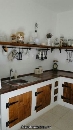 30 Fun and Fresh Decor Ideas to Make Your Kitchen Wall Looks Amazing white kitchen design; kitchen remodel on a budget; Rustic Kitchen Cabinets, Kitchen Decor, Country Kitchen, New Kitchen, Concrete Kitchen, Küchen Design, Interior Design Kitchen, Interior Modern, Home Kitchens