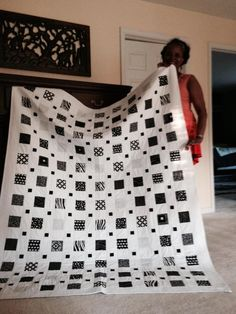 Black And White Quilts By Design Find This Pin And More On Quilts Black And White Black And White Quilt Pattern Ideas Black And White Chevron Quilt Bedding In red and white simple graphic style Would be a nice duvet cover Black and white quilt. Neutral Quilt, Grey Quilt, Black Quilt, Chevron Quilt, Beginner Quilt Patterns, Quilting For Beginners, Quilt Block Patterns, Modern Quilt Patterns, Modern Quilting