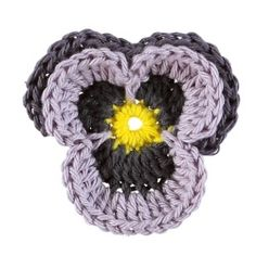 Gratis sy- og strikkeopskrifter - Se alle gratis mønstre her - STOFF & STIL Yarn Crafts, Diy And Crafts, Easy Knitting Patterns, Crochet Flowers, Knit Crochet, Diy Projects, Textiles, Tapestry, Crafty