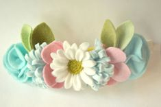 This felt  flower crown  is  perfect for photo shoots, family pictures, birthdays, weddings or everyday use.