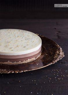 Receta de tarta de tres chocolates. receta con fotos del paso a paso y sugerencias de presentación. Trucos y consejos de elaboración. recetas de...