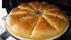 Fantastické plnené pečivo z youtube, ktoré chutí vynikajúco a je skvelou alternatívou klasického kupovaného chlebíka z obchodu.Potrebujeme:Na cesto: 1 polievková lyžica kryštálového cukru (20 gramov)1 lyžica suchého droždia (10 gramov)1,5 šálky teplého mlieka (300 ml)1 … Bread Bun, Easy Bread, Bread Machine Recipes, Bread Recipes, Baking Science, Pan Relleno, Couscous Recipes, Fast Easy Meals, Bread And Pastries