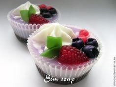 Купить Лесная ягода , мыло ручной работы - пирожное, малина, черника, крем, сладость, мыло