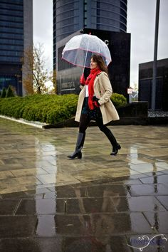 HunterChic by Marta: Gucci boots Gucci Boots, Rainy Day Fashion, Classy Women, Beautiful Outfits, Rain Boots, Lady, Viajes, Trends, Lugares