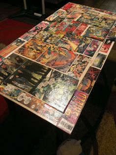 Diy comic book coffe table! My boyfriend is awesome for making this!