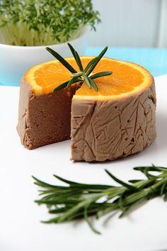 Lubię to... gotowanie!: Pomarańcza i rozmaryn. Cointreau i cebula. Pasztet domowy.