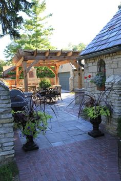 Side yard party patio: Side yard party patio