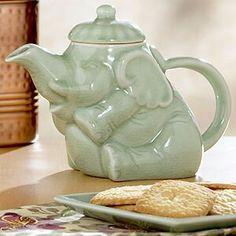 super cute non-circus elephant teapot. I LOVE the elephant teapot my mother gave to me one birthday. Elephant Teapot, Historical Artifacts, Teapots And Cups, Tea Art, Chocolate Pots, Pet Birds, Tea Time, Tea Kettles, Tea Cups