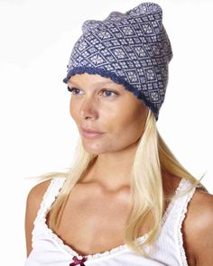 b1948a40ba5 Beanie in lambswool and nylon. All over jacquard knit