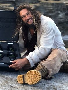 Jason momoa 425308758558221214 - Love his smile!😁😁😁 Source by titebea Jason Momoa Aquaman, Aquaman Actor, Lisa Bonet, Outfits Damen, My Sun And Stars, Raining Men, Hollywood Actor, Good Looking Men, Man Crush