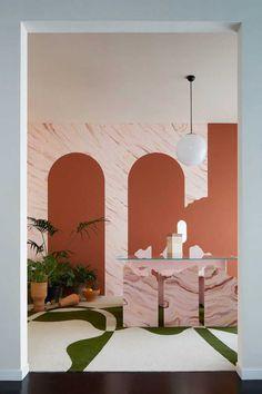 The trend of boogjes-a-la-De-Chirico just can& stop! Pop Art Decor, Decoration Design, Deco Design, Backdrop Design, Commercial Design, Commercial Interiors, Decor Scandinavian, Design Apartment, Style Deco