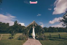 Izzy and Gyles stunning wedding at Hyde House Barn in the English Cotswolds countryside, blue skies and a beautiful backdrop for an amazing day