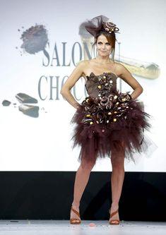 robe en chocolat createur - Recherche Google Recherche Google, Fashion, Sugar, Chocolates, Dress, Moda, La Mode, Fasion, Fashion Models