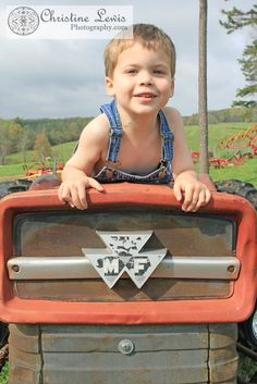 I seen this and thought of you :) Toddler Boy Pictures, Little Boy Pictures, Family Pictures Outside, Family Photos, Country Girl Quotes, Country Boys, Tractors For Kids, Tractor Pictures, Boy Photo Shoot