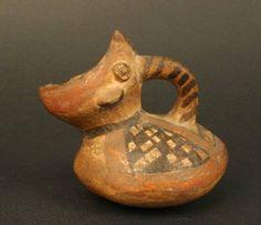 Materiales: Cerámica  Periodo: Horizonte Inka. Diaguita III. Diaguita-Inka 1470- 1532 d.C.  Medidas: 80 mm de alto x 91mm de largo x 67 mm de ancho  Código de pieza: MCHAP 3397