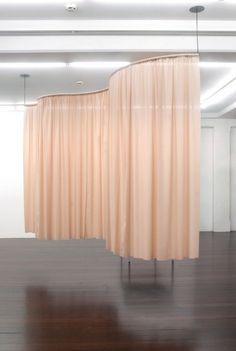 thomas demand curtains